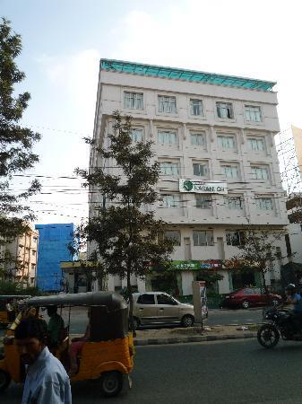 Kasani GR Hotel: General view
