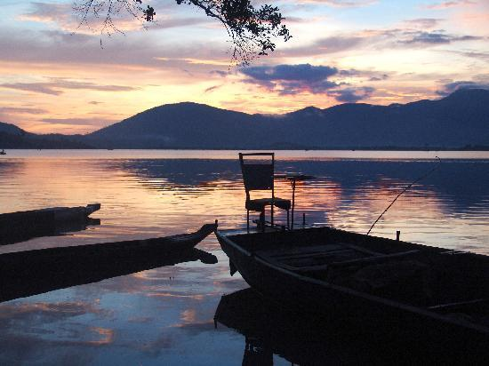 Sunrise at Lak Lake in Jun Village