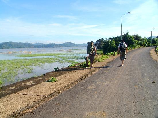 The walk back to Lak Resort from Jun Village