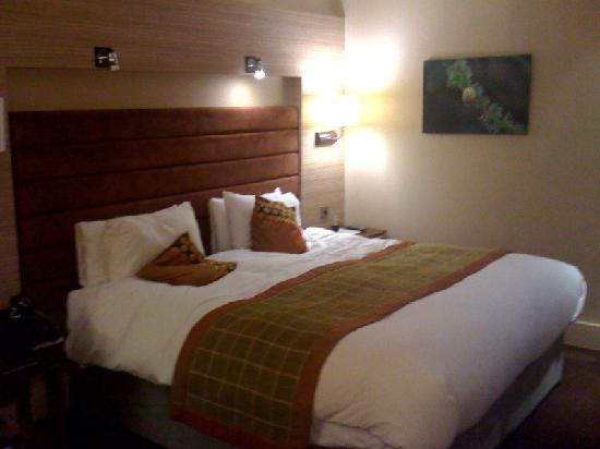The Cheltenham Chase Hotel - A QHotel: Our deluxe room at Cheltenham Chase - exactly like the brochure!