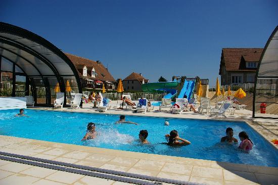 Merville-Franceville-Plage, Prancis: La piscine !