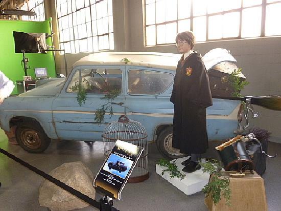 Warner Bros. Studio Tour Hollywood : ハリーポッターの車