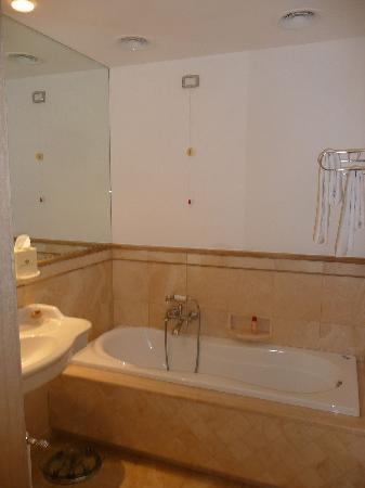 Il Palazzetto: Bath