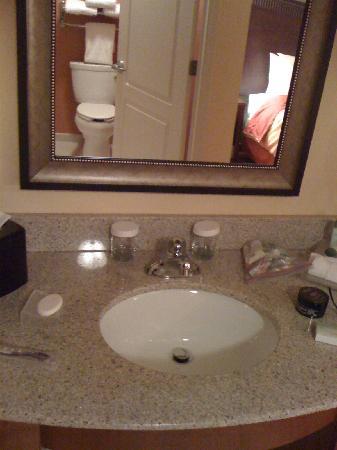 Homewood Suites by Hilton Reno: bathroom