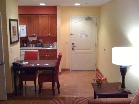 Homewood Suites by Hilton Reno: dining area