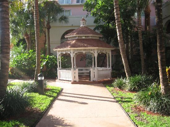 Courtyard Fort Lauderdale North/Cypress Creek: Wedding gazebo in the back
