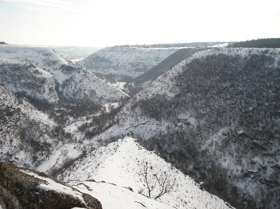 Hanul Lui Hanganu: Le gole di Tipova d'inverno