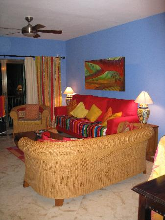 Encanto Paseo del Sol: Living Room
