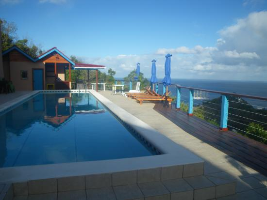 Chateau Mygo Villas: Large private pool and barbeque area