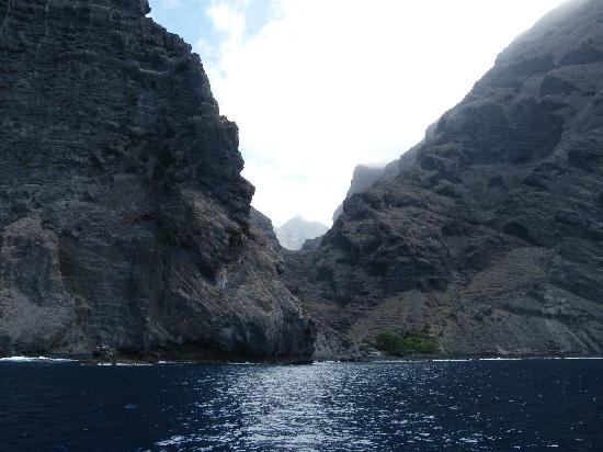 HOVIMA Santa Maria: Beautiful scenery during Dolphin/Whales trip