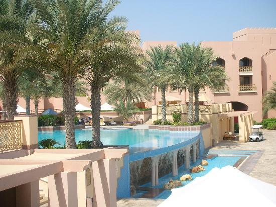 Shangri-La Al Husn Resort & Spa: Swiming pool
