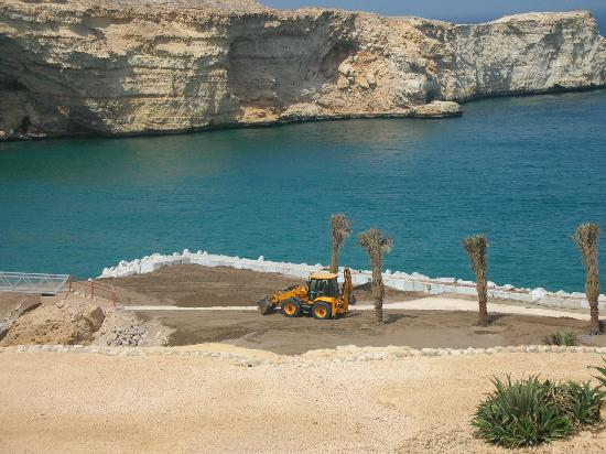 Shangri-La Al Husn Resort & Spa: Workers