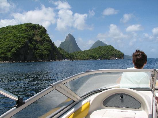 Bay Gardens Beach Resort: Must do boat trip along the island!