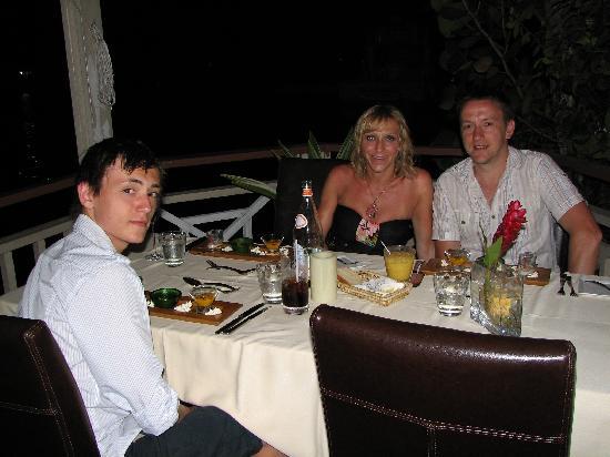 Bay Gardens Beach Resort: Lovely meal on the marina!