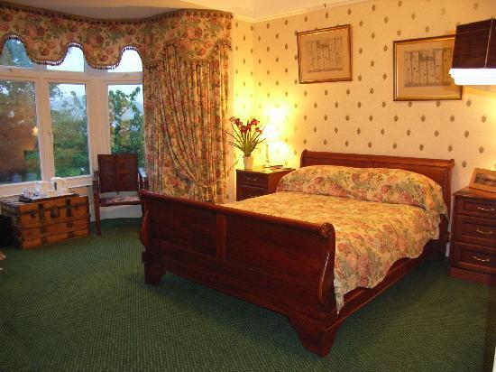Maes-Y-Derw Country House: Gwili Guestroom