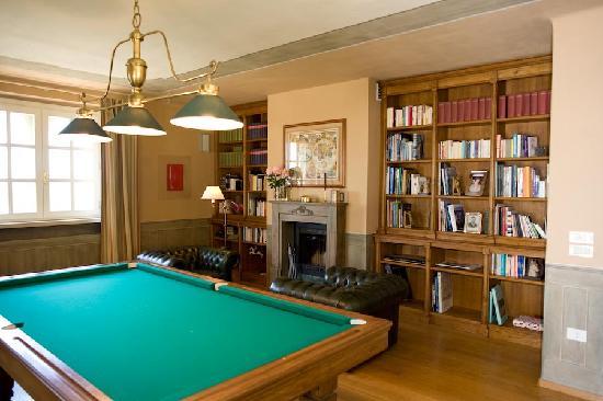 Sala Da Biliardo In Inglese : La sala biliardo con la biblioteca foto di tenuta il sassone