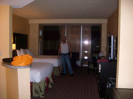 Eastside Cannery Casino & Hotel: THE ROOM