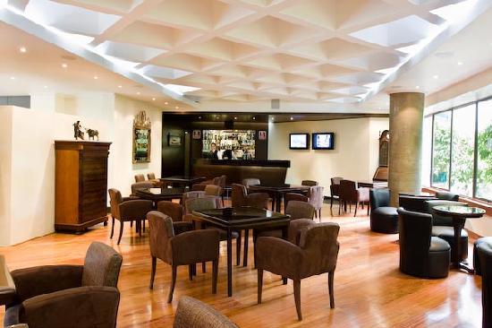 Hotel Porton Medellin: BAR