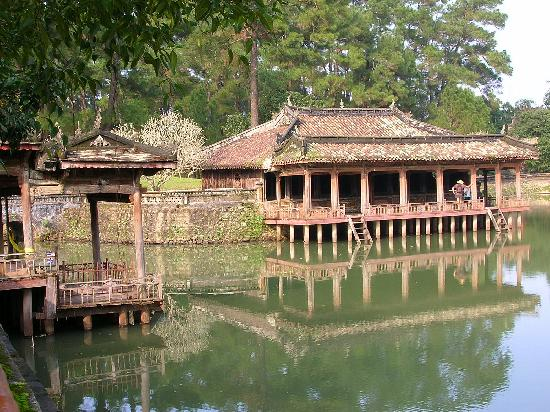 Pilgrimage Village : Mausoleo Tu-duc