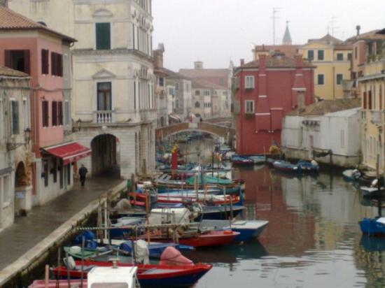 Chioggia, Italien: Gondolas y canales ,muy romantico