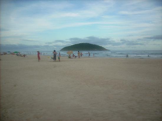 Praia de Ibiraquera: ilha do batuta
