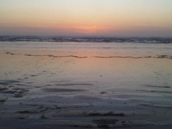 Gull Wing Inn: Sunset at Moclips