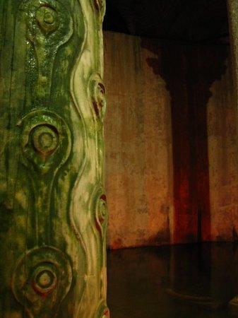 Cisterna Basílica: The Wish/ Tear column