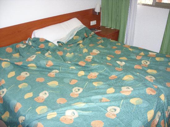 Apartamentos Levante Lux: Bedroom