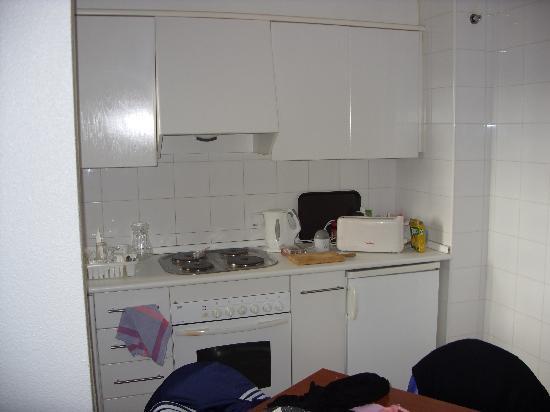 Apartamentos Levante Lux: Kitchen