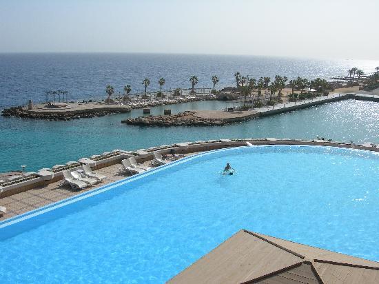 Albatros Citadel Resort - Sahl Hasheesh: piscine et port