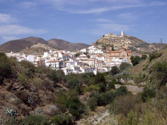 Almería, España: The beautiful village of Lubrin - untouched by those bloody Brits!!
