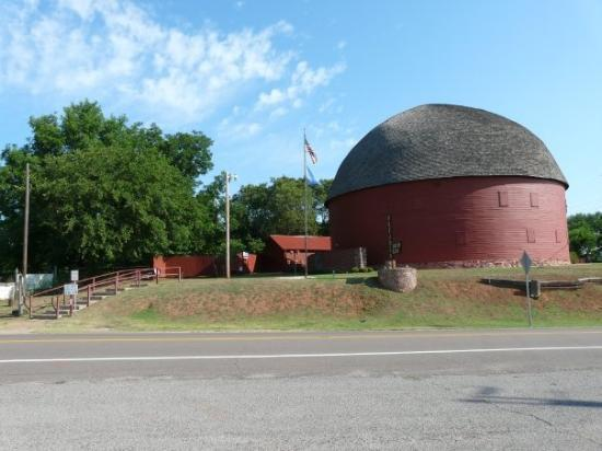 Big Red Barn In Arcadia Ok Route 66 2009 Picture Of Oklahoma