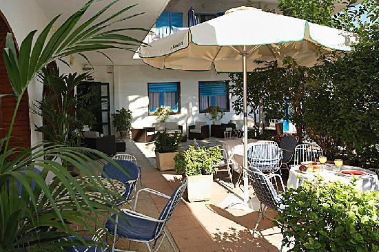 Hotel Bell Repos: snack bar