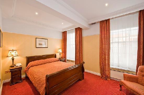 Wynn's Hotel: Double Bedroom
