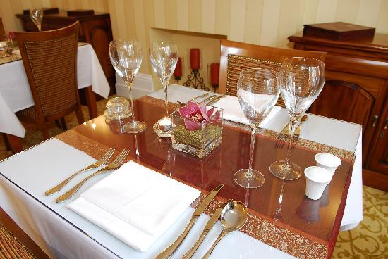 The Clarence Hotel: Restaurant