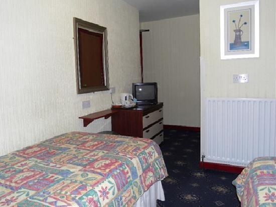 Grampian House: Twin Room (en-suite)