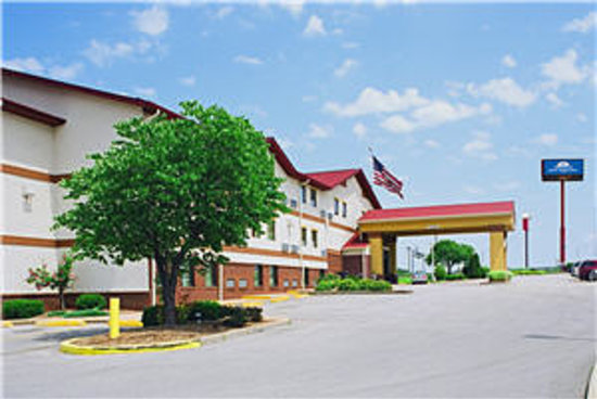 Americas Best Value Inn - St. Louis / South: Exterior