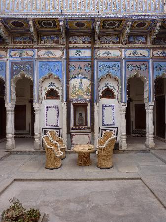 Ramgarh Fresco: Centercourt