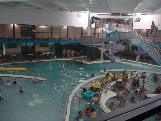 Heights Mi United States The Pool 550x412 Best Western Sterling Inn Waterpark Detroit Drone 480x360