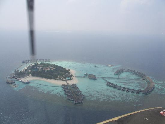 Centara Grand Island Resort & Spa Maldives: Hotel from sea plane