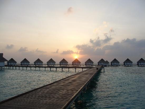 Centara Grand Island Resort & Spa Maldives: Sunset