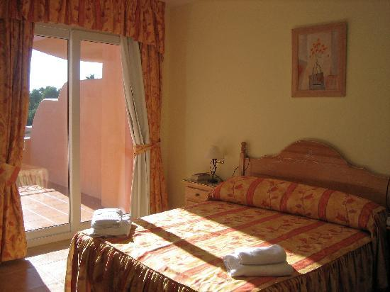 Marbella Beach Resort: main bedroom