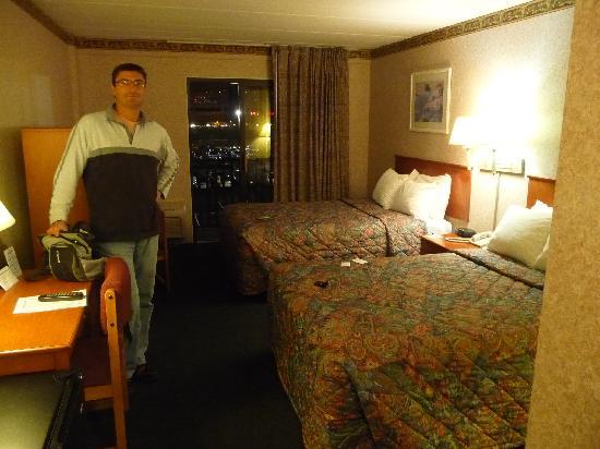 Days Inn Atlantic City Beachblock: Notre chambre -simple et confortable