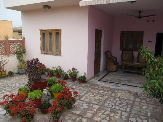 Hotel Karni Niwas : The room