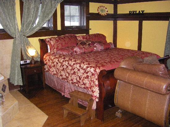 Hilltop Manor Bed & Breakfast: Oak room