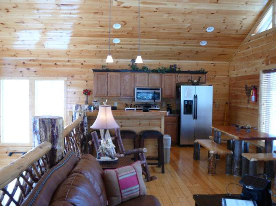 Elk Springs Resort: Snuggled Inn Cabin