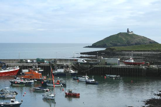 Ballycotton Cliff Walk : Ballycotton Harbour from the Bayview hotel