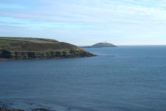 Ballycotton Cliff Walk : Ballycotton Lighthouse taken from the Cliff walk
