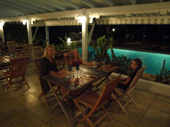 Hostellerie des Chateaux: Here we eat at the restaurant next to the pool. Great food and nice place to drink wine and rum.