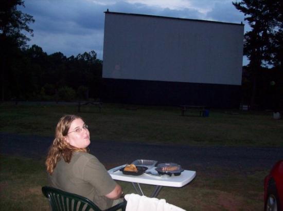 Eden, Caroline du Nord : our pre-movie picnic, (we saw GI Joe & Inglorious Basterds).-8-23-09